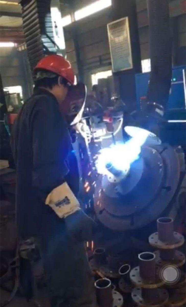 江苏扬阳搪玻璃设备实现自动化生产线